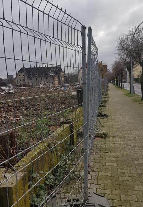 Vermüllung auf dem Grundstück der ehemaligen Schlägel- und Eisensiedlung