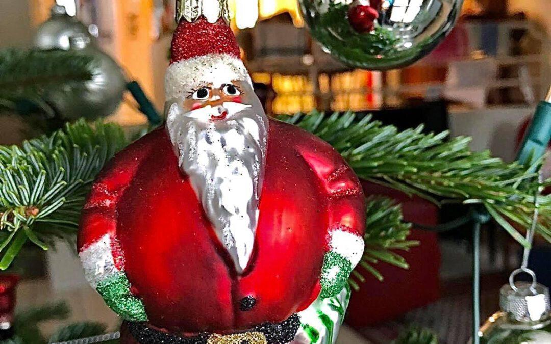 Euch, euren Familien, Freunden und Bekannten frohe und besinnliche Weihnachten